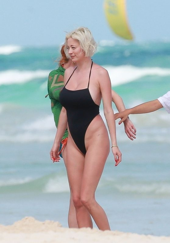 Caroline Vreeland in a Black Swimsuit - Tulum 02/26/2021