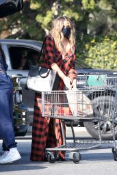 Chrissy Teigen - Shopping at Bristol Farms in Beverly Hills 02/07/2021