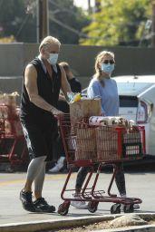 Emma Krokdal - Leaving Trader Joe's in Hollywood 02/08/2021