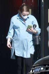 Emma Stone - Running Errands in LA 02/05/2021