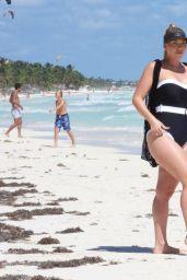 Frankie Essex - Beach in Tulum 02/05/2021