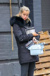 Frida Aasen - Leaving the Dogpound in New York 02/27/2021