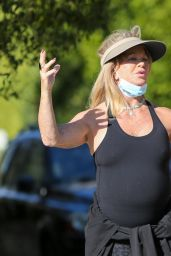 Goldie Hawn - Out in Los Angeles 02/26/2021