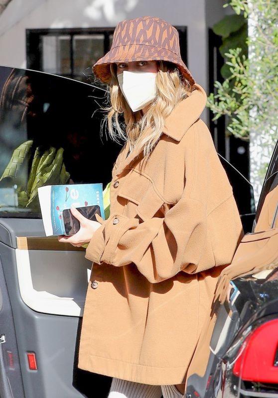 Hailey Rhode Bieber - Arriving at a Hair Salon in Beverly Hills 02/17/2021