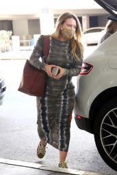 Hilary Duff at LAX Airport 02/12/2021