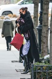 Irina Shayk - Arrives at Her Apartment in NYC 02/17/2021