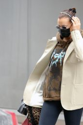 Irina Shayk Street Style - New York 02/10/2021
