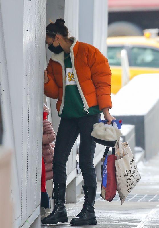 Irina Shayk Street Style - New York 02/11/2021