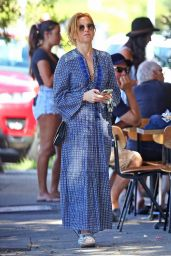 Isla Fisher - Out in Sydney 02/07/2021