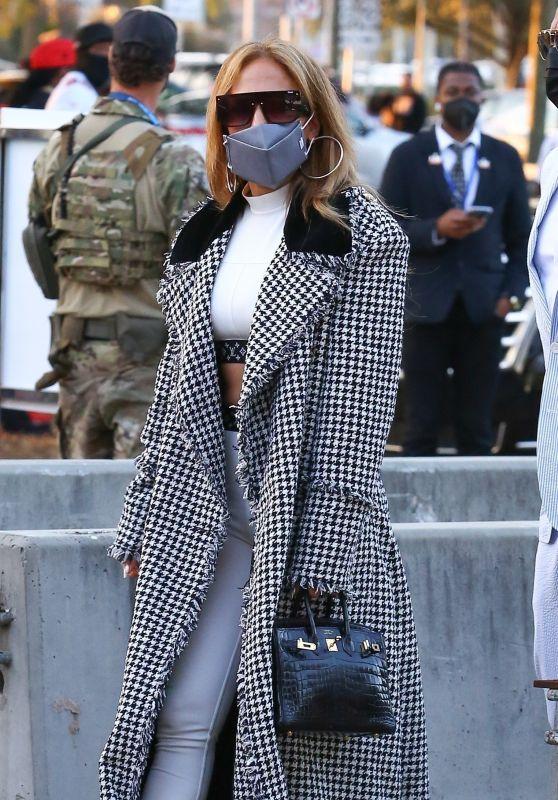 Jennifer Lopez - Arriving at the Super Bowl in Tampa 02/07/2021