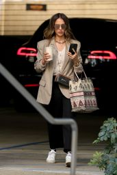 Jessica Alba - Arrives at Her Office in LA 02/25/2021