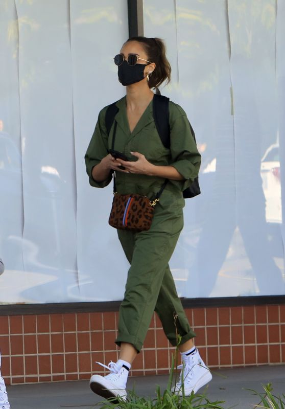 Jessica Alba - Out in Los Angeles 02/07/2021