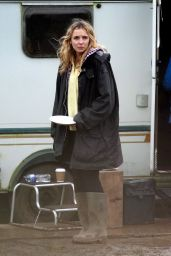 Jodie Comer - Filming in Cheshire 02/01/2021