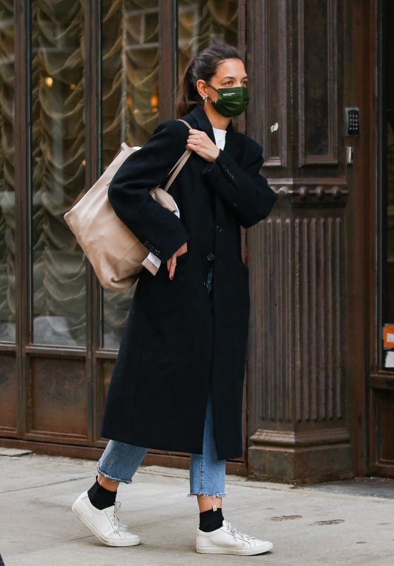 Katie Holmes - Out in NYC 02/10/2021