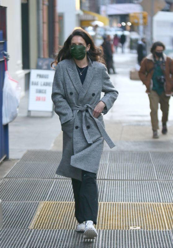 Katie Holmes - Out in NYC 02/14/2021