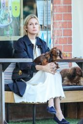 Kelly Rutherford at Kreation Organic Kafe in Beverly Hills 02/18/2021