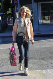 Lady Victoria Hervey - Shopping in West Hollywood 02/17/2021