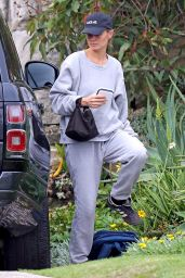 Lara Worthington in Comfy Outfit - Sydney 02/25/2021