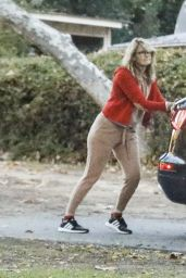Laura Dern Having Trunk Trouble - Brentwood 02/09/2021