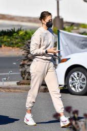 Maria Sharapova - Shopping in Santa Barbara 01/31/2021