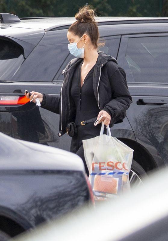 Maura Higgins - Shopping at Tesco 02/24/2021