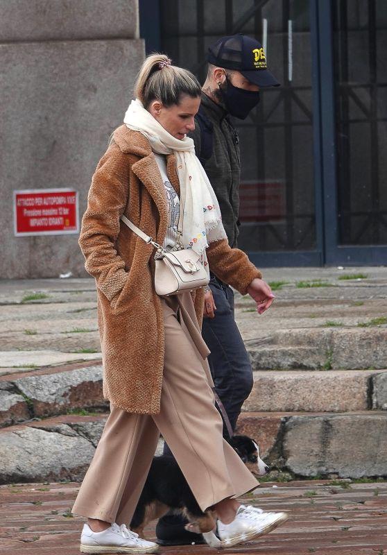 Michelle Hunziker Street Style - Milan 02/05/2021