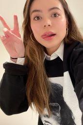 Miranda Cosgrove 02/23/2021