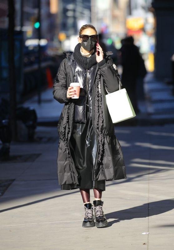 Olivia Palermo Look Chic - NY 02/25/2021