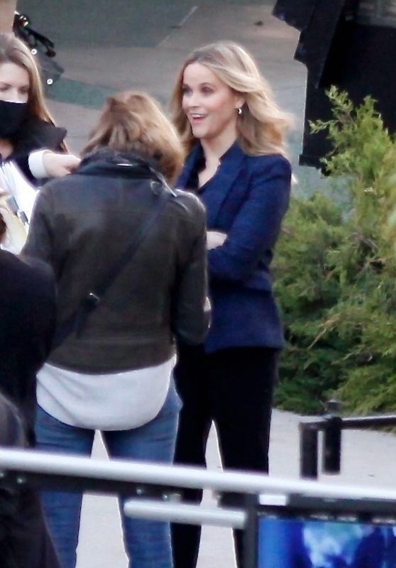 """Reese Witherspoon and Julianna Margulies on the set of the """"Morning Show"""" in LA 02/17/2021"""