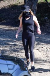 Reese Witherspoon - Hiking in Los Angeles 02/17/2021
