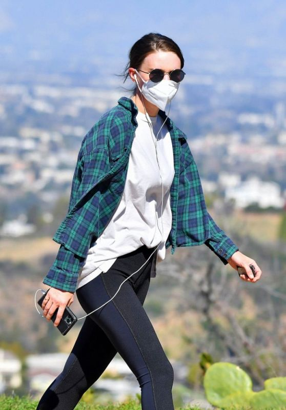 Rooney Mara - Hiking Out in LA 02/19/2021