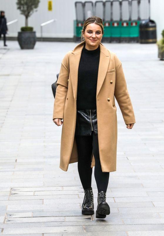 Sian Welby Street Style - London 02/24/2021