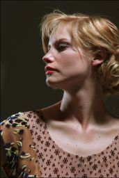 Sienna Guillory - Photoshoot 2003