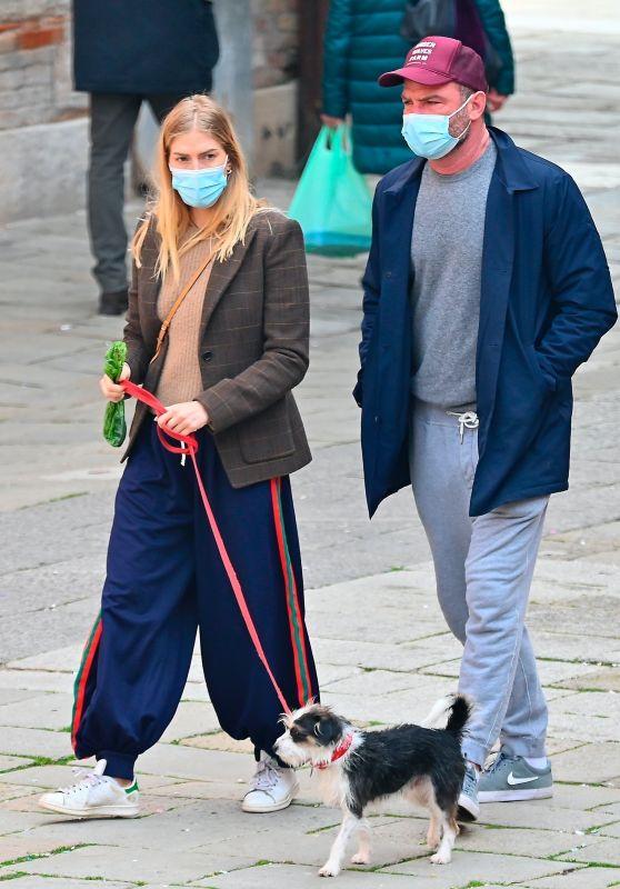 Taylor Neilson Street Style - Venice 02/20/2021