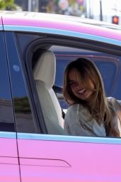 Addison Rae - Drivinig in Los Angeles 03/29/2021