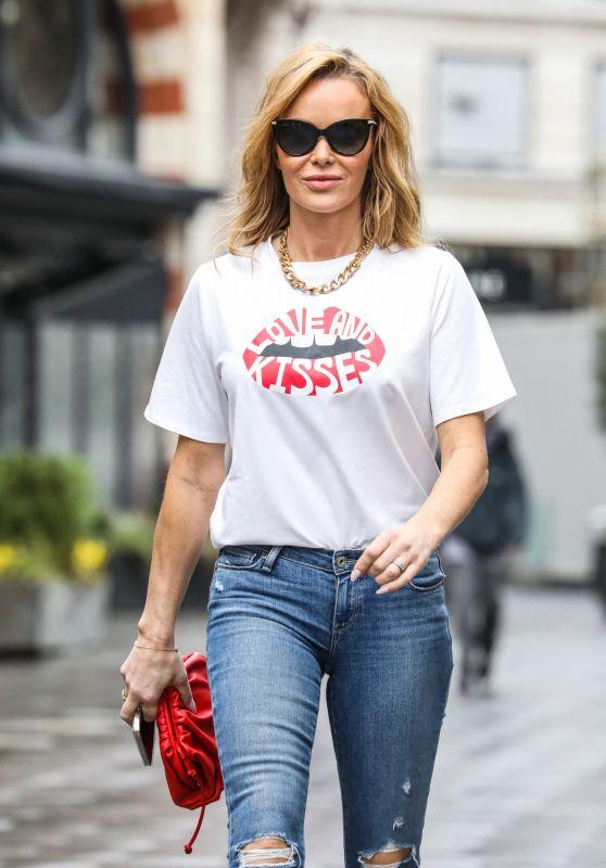 Amanda Holden Street Style - London 03/12/2021