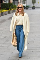Amanda Holden Street Style - London 03/16/2021