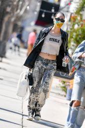 Amanda Steele Street Style - Joan