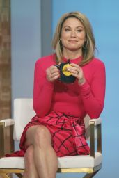 Amy Robach - Good Morning America in New York 03/25/2021