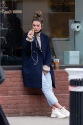 Annie Murphy - Out in New York City 03/24/2021