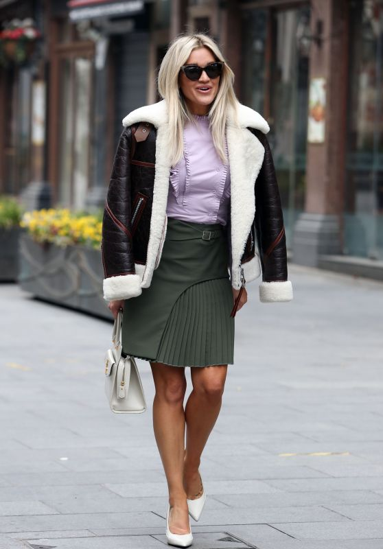 Ashley Roberts - Out in London 03/08/2021