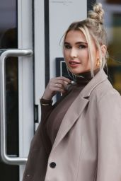 Billie Faiers - Out in London 03/10/2021