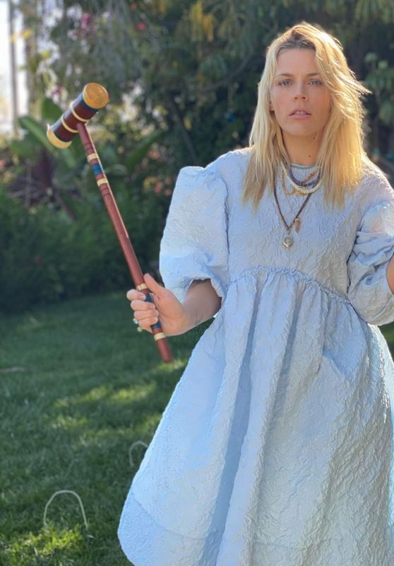 Busy Philipps 03/30/2021