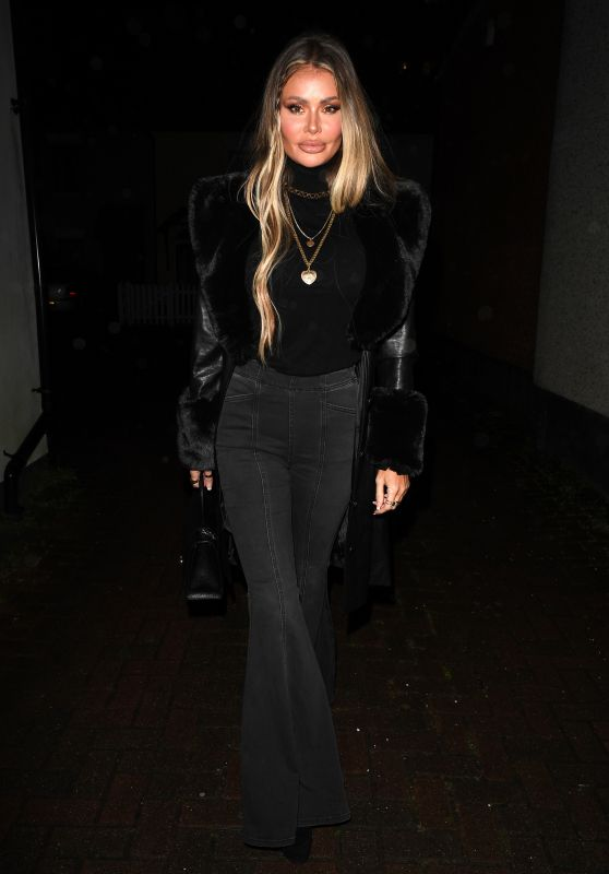 """Chloe Sims – """"The Only Way is Essex"""" TV Show Filming in Essex 03/20/2021"""