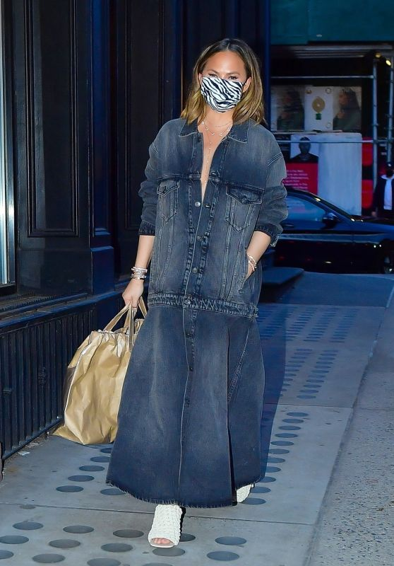 Chrissy Teigen - Out in NYC 03/07/2021