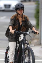 Elsa Pataky Bike Ride - Sydney 03/03/2021