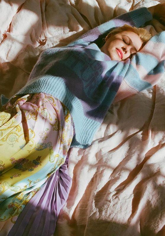 Hannah Van Der Westhuysen-  Versace Jeans Couture March 2021