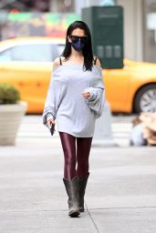 Hilaria Baldwin - Out For A Walk in NYC 03/25/2021