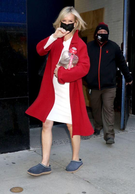 Jennifer Ashton – Leaving GMA in NY 03/03/2021