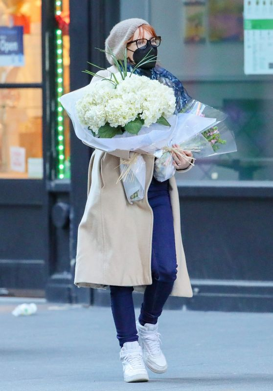 Jessica Chastain - Shopping For Flowers in NY 03/14/2021